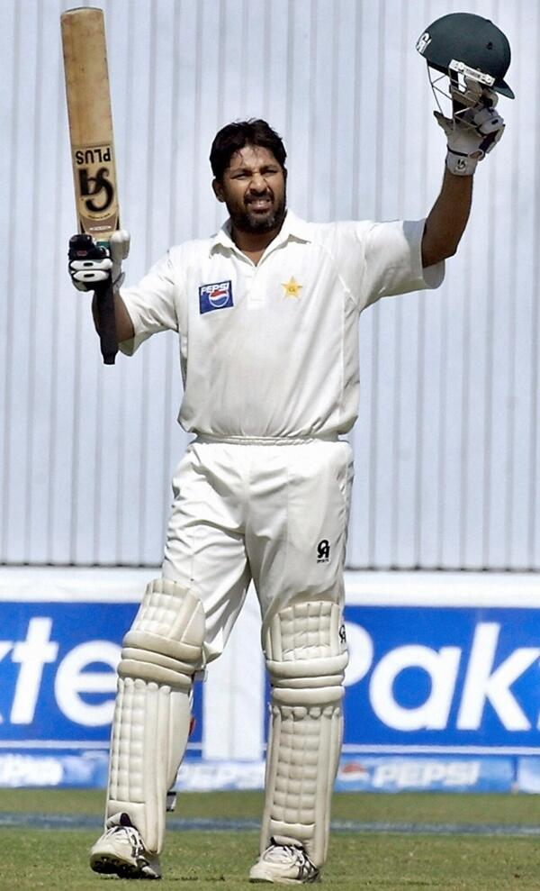 """ICC na Twitteri: """"Happy Birthday to Inzamam-ul-Haq, who turns 44 on Monday.  Which is your favourite Inzamam innings? http://t.co/tgDXOD2F79"""""""
