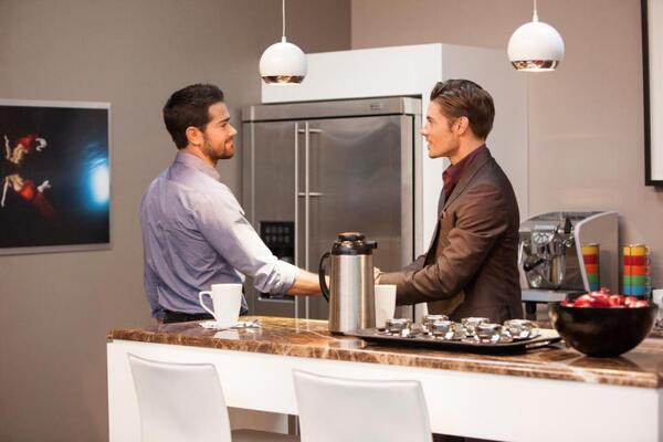 Two men. One urn of coffee. A fight to the death. May the best man win. Happy Monday! #DallasTNT is back at 9/8c! http://t.co/PdNiRs1VtR