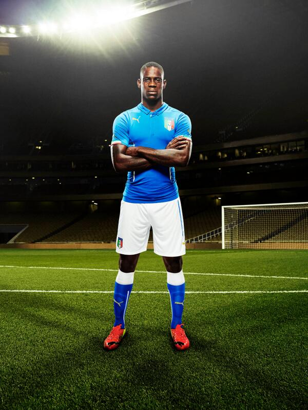 Official! Italys home kit for the World Cup is typically classy [Pictures & video]