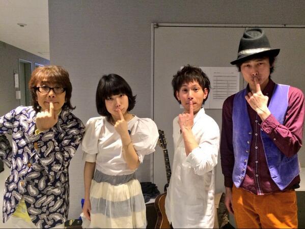 TOIRO 2nd Anniversary presents『K's TRANSMISSION〜坂崎さんちのヒナまつり』ワクワクドキドキのセッション楽しかったです〜!坂崎さんとダイスケさんとスマイル!?ありがとうございました! #蜜 http://t.co/FuLMjbHZRc