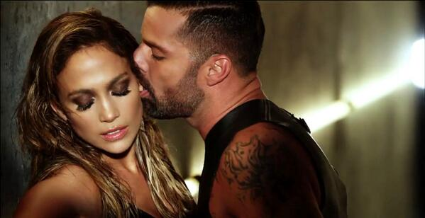 OMG WOW @JLo & @ricky_martin this photo is very HOT! you are amazing <3 #Adrenalina http://t.co/bCEXX8HMcM