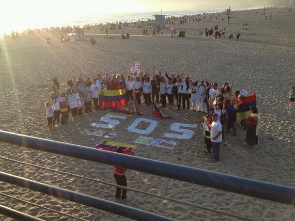 #SOSVzla desde Malibu, California #15M via @camelantrusia http://t.co/AQtNp9nVm4