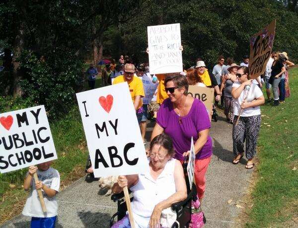 @abcnews Another poignant snap I took during @marchinmarchgos yesterday, for the #MarchInMarch collection! #AUSpol http://t.co/bKQjt5FpVZ