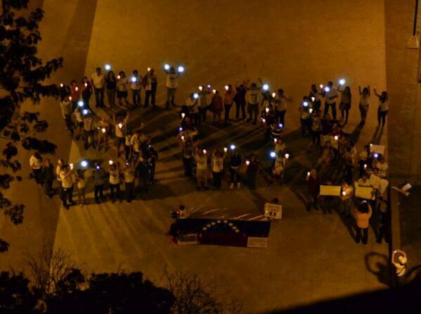 RT @PilinLeon: #Barranquilla #SOSVenezuela #UnMundoSinMordaza http://t.co/nXBFAX2RP3