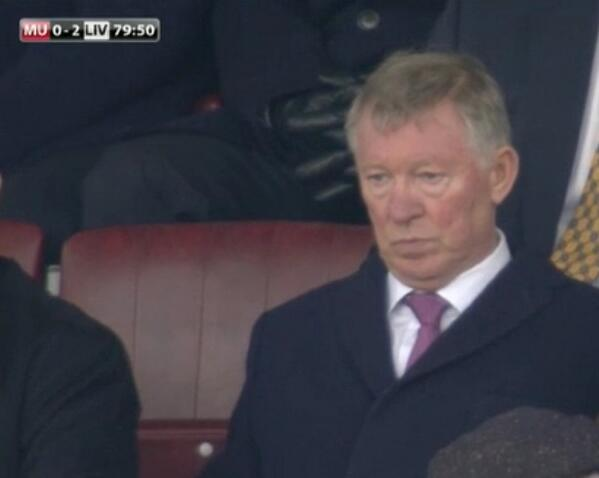 Fergie, Fergie give us a smile, Fergie give us a smile... http://t.co/3jMkrmjjgv