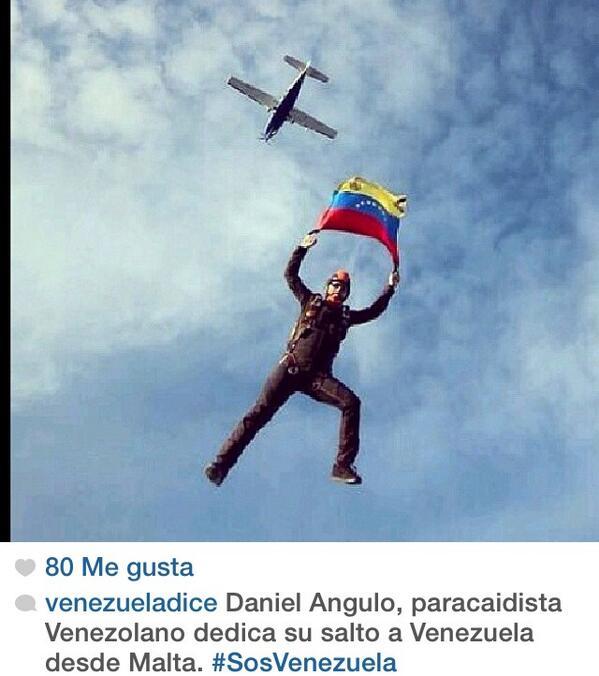 Orgullosos todos de Daniel Angulo 💛💙❤️.   #SOSVzla http://t.co/qnN9kZCjzX