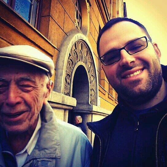 Moj Deda Milan (94 godine) ispunio je svoju gradjansku duznost -GLASAO JE-  Koji je tvoj izgovor? #izbori2014 http://t.co/7SzAqG9XmQ