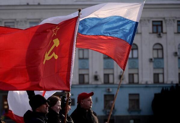 Plaza Lenin de Simferópol, capital de Crimea. 16 de marzo de 2014 (foto AFP) http://t.co/5daY7ohbi8