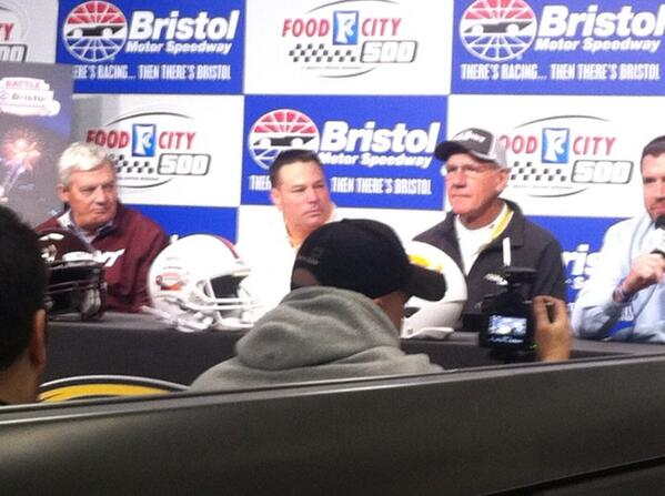 College football history being made @BMSupdates. Food City one of presenting sponsors for the Battle of Bristol. http://t.co/XCwcMoUx3w