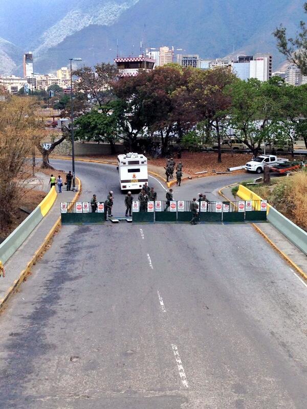 11:50AM #16M Piquete en La Carlota http://t.co/Q7sWS3ZcEX