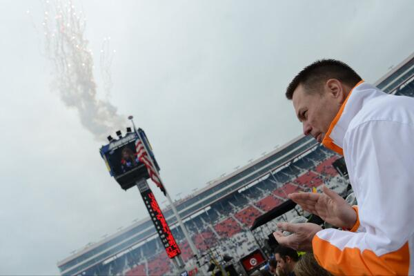 GALLERY: @Vol_Photos images from @UTCoachJones at #FoodCity500 at @BMSupdates http://t.co/VHlu5h6Y74 http://t.co/m2LBEwbKJw