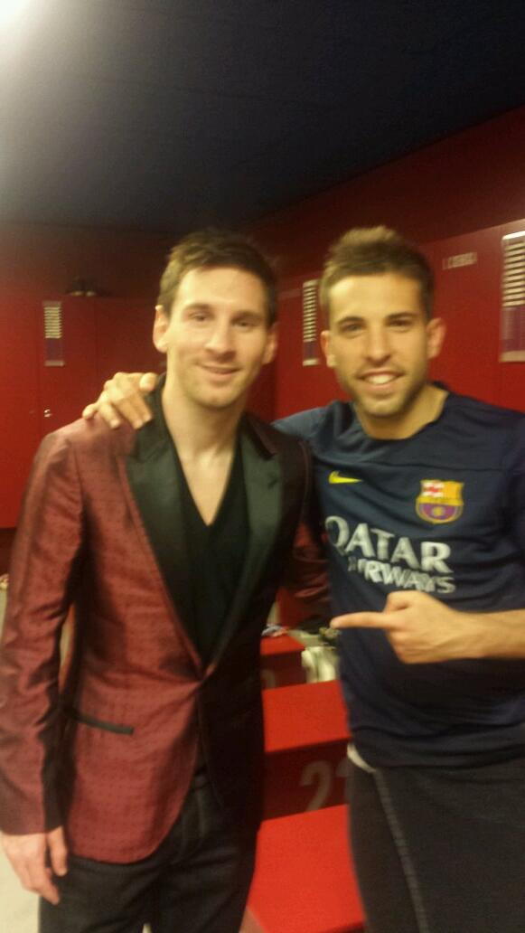 Grande equipo! Foto con Leo, máximo goleador de la historia del #Barça #371 Enorme! http://t.co/NddyTpn9RA