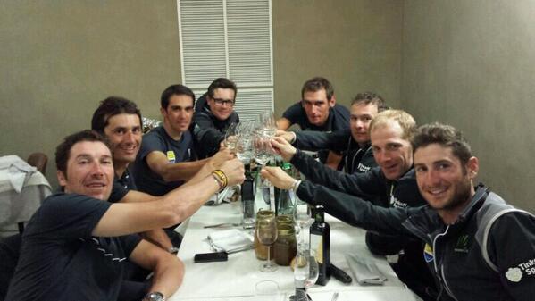 Photos Alberto Contador - Page 6 Bi4UGvRIMAANBT8