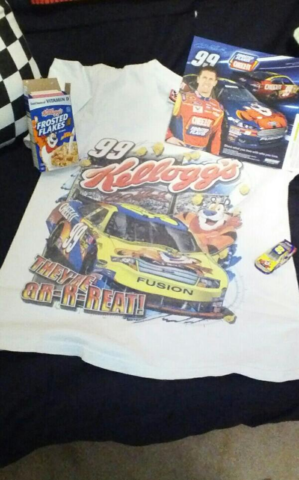 Ate my Frosted Flakes this morning in hopes the day would end with a backflip! Way to go #Carl Edwards @roushfenway<br>http://pic.twitter.com/zDFvg40gz7