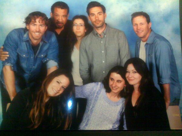 "CHARMED Cast Meeting Fans. @MediaPlayPR @azulbymoussyusa  #anytimedenimforanywhere  http://t.co/PV0CmXd2Ez"""