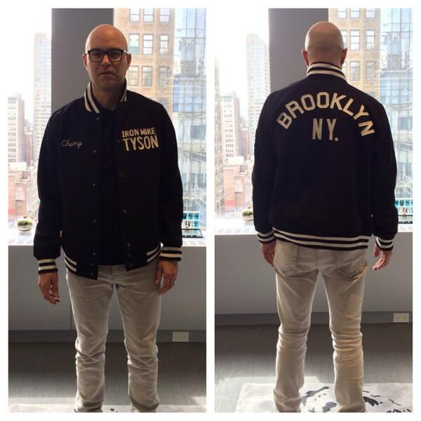 Amazing @MikeTyson commemorative piece from our partner @rootsoffight , thanks Jesse! http://t.co/kPVZN2w1Lx