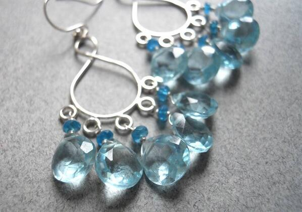 These actually look like real aquamarines. Malibu  Chandeliers  - Aqua Blue Quartz http://t.co/2apSuytTZ1 #shirzay http://t.co/XRI4vJNazb