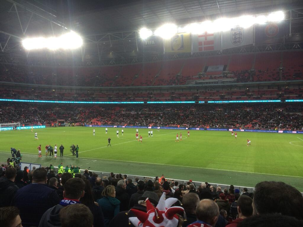 Had a great time at the England game tonight with @OllieMarland, @Elliotharg12 and @damiensanders!! http://t.co/E3xCAvPOpD
