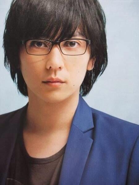 メガネ姿の山村隆太さん