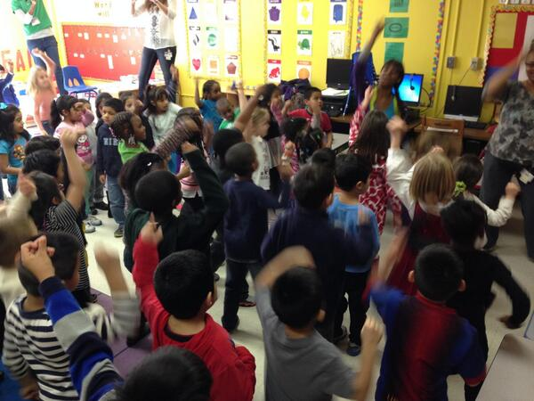 Ashley does #ZUMBA with the kids of Henderson Mill Elementary School! #letsmove #zumbafirstlady http://t.co/ijtAN0qVqd