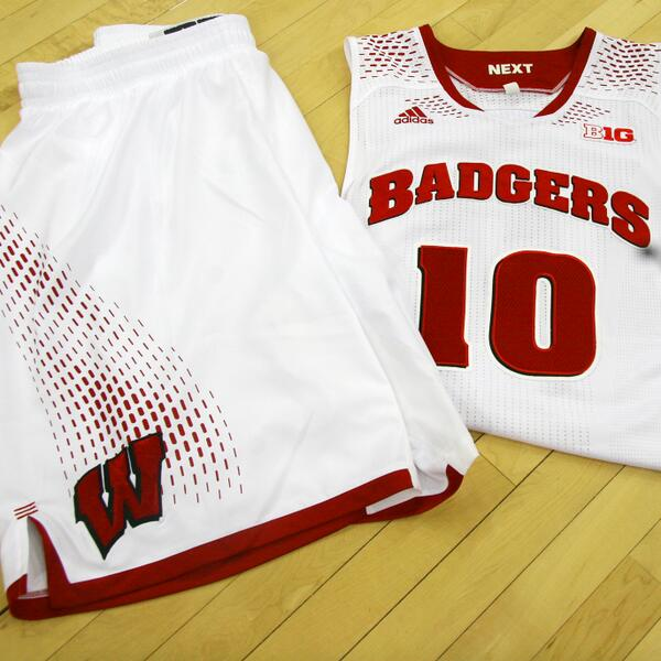 59248e165a75 Wisconsin Basketball en Twitter