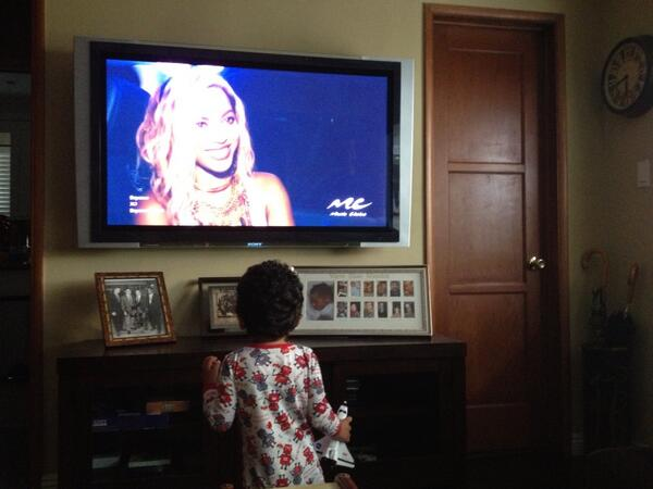 My 2 yr old's two great obsessions: the Space Shuttle and @Beyonce  I love this kid! http://t.co/4vQSpN3C3Y