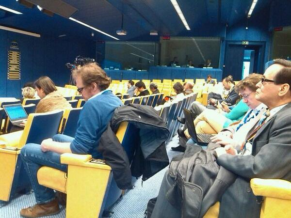 Very few journos come to barroso, van rompuy http://t.co/IkBjBMPA0e