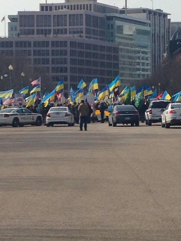 Heading to White House to #standwithukraine  RT your support or join the crowd! #Ukraine http://t.co/OTT21dPwBM