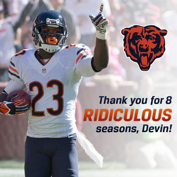 """@ChicagoBears: Thank you, @D_Hest23. #Bears http://t.co/bCZjRyS0Oj"" Classy organization."