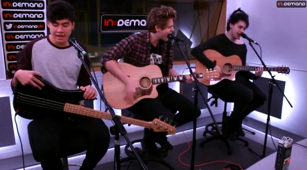 If you missed the ace @5SoS's session you can watch it here #5SoSInDemand http://t.co/Vcy32gLLNx http://t.co/0sDXNhSgRh