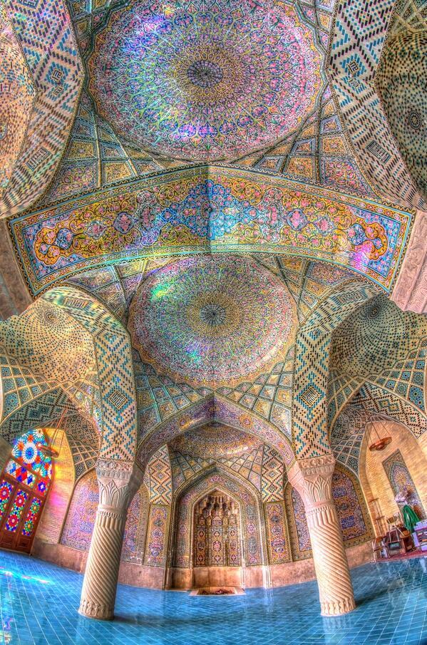 美しいモスク(イラン)  (via