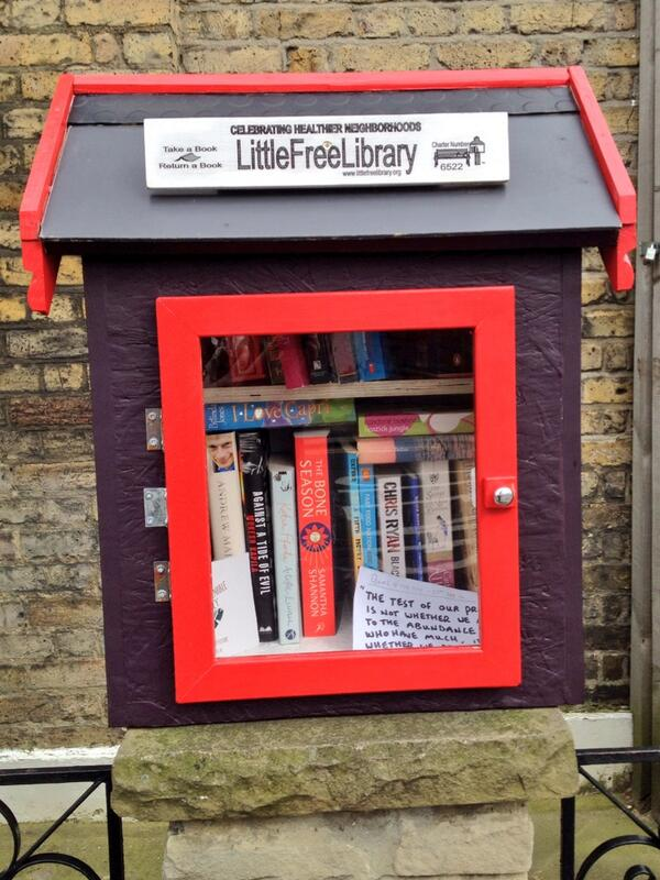 This is the nicest thing - a little free library, spotted on a street corner in Clapton @hackneycitizen http://t.co/aCAIiJF12h