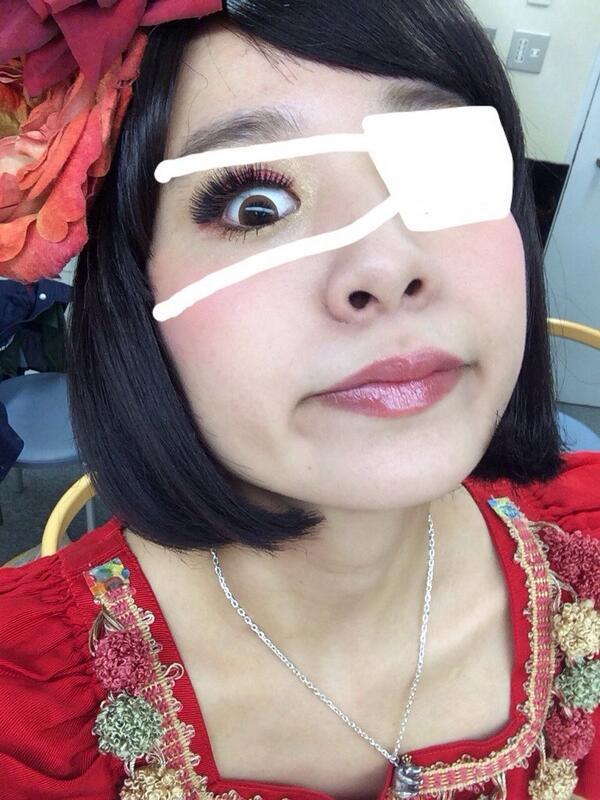 日本アカデミー賞の蒼井優に触発されて小春はんにももはんの眼帯画像作ってもらった。うん、違うな。