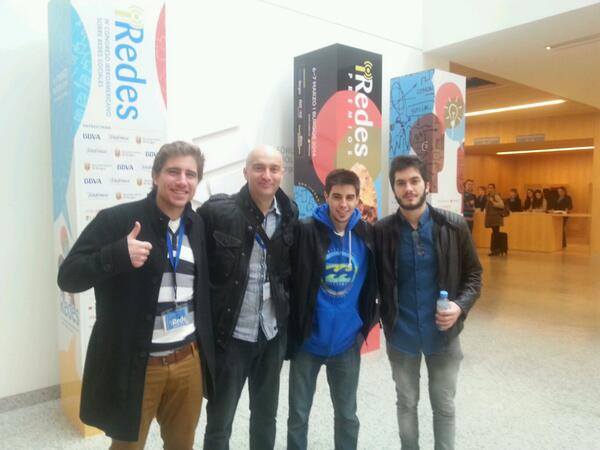 #YoutubePower en #iRedes @aLexBY11 @Wismichu y @rikote ;-) http://t.co/fEkqR88TrC