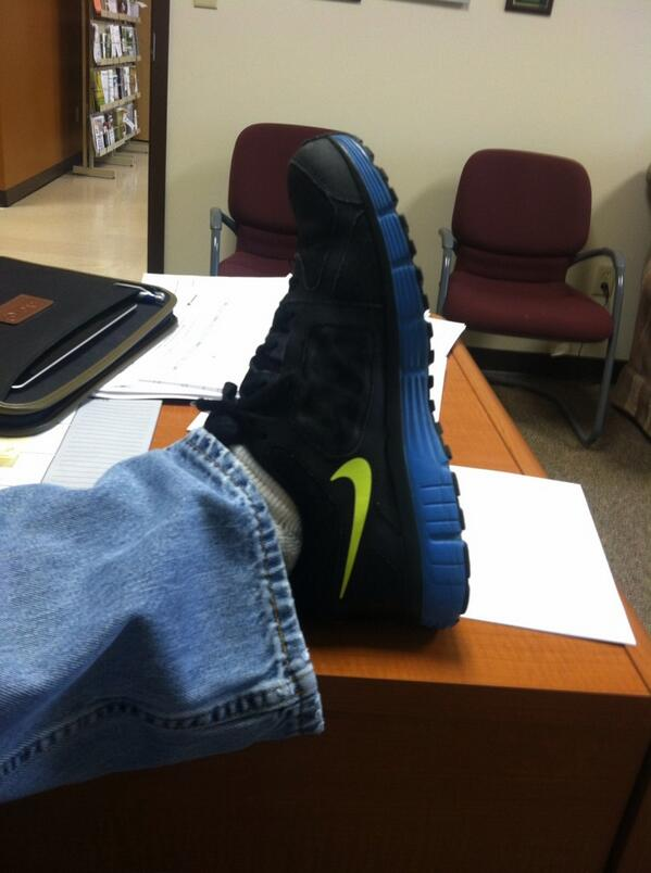 @UTPresidentJoe we r wearing them @utextension in Smithville for @AmericanCancer #UTSneakers! http://t.co/2eXcnuISnK