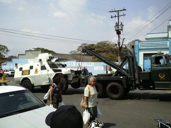 Violencia Fascista en Venezuela - Página 13 BiIxR4fIIAACzOF