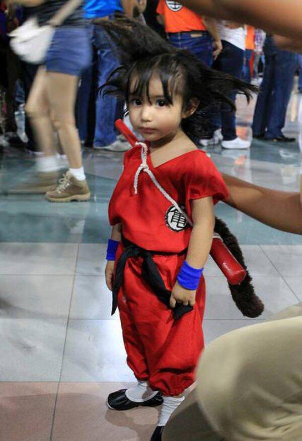 O melhor cosplay de Goku que já vi! http://t.co/IiPTTd1UdB
