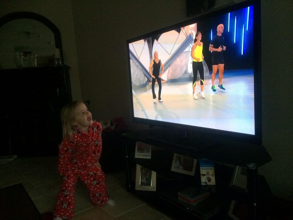 RT @orlamacorla: My 4 year old joining in with morning exercises #fitin15 @ThisisDavina http://t.co/MMPhrVeku1