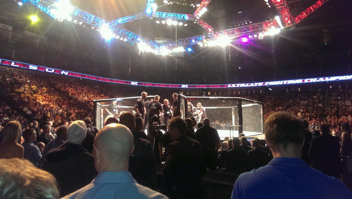 Here @TheO2 for tonighys @UFC_UK event in London!! Can't wait for this! @UFCFightNight http://t.co/TYurKux5Xk
