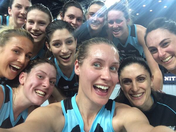 Beat this oscars! #winners #selfie #storm @SurreyStorm @SkyNetball http://t.co/Tr1w0GwZdg