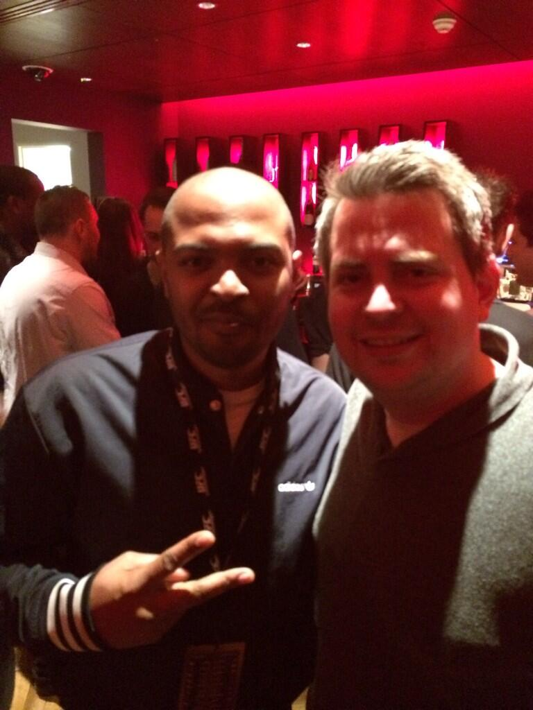 RT @barty7: @NoelClarke thanks for saying hi and stopping for a pic ! http://t.co/dkC9i2bfQW