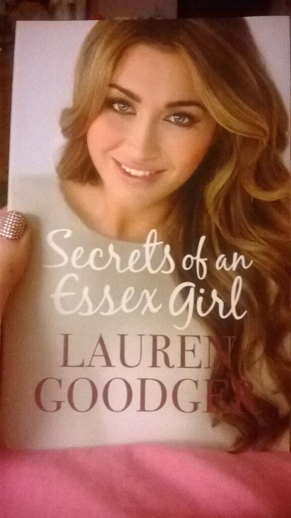 RT @Claire_Caoilin: Look what my mam bought me!! Love it! Xx @LaurenGoodger http://t.co/lkSomdjcq1