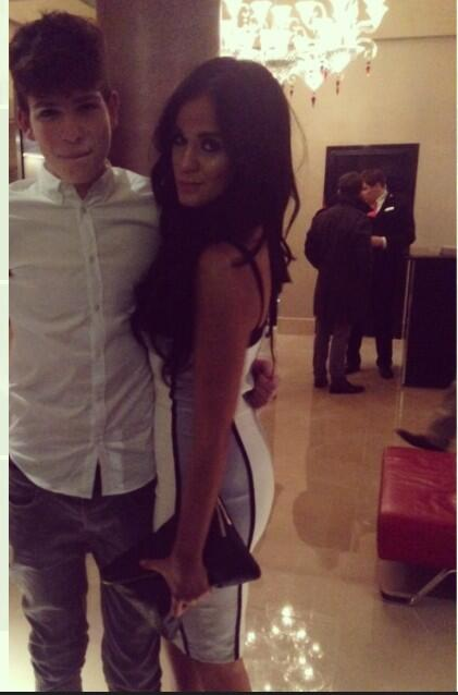 RT @Jaihouston7: Met @VickyGShore at the mayfair so beautiful😍🙈, follow me please would be amazing🙌 @VickyGShore http://t.co/s3VmkWrfYI
