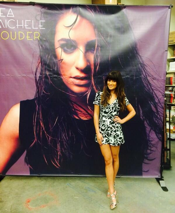 Great CD signing @BNBuzz with @msleamichele today @TheGroveLA! http://t.co/7qWexk9cCO