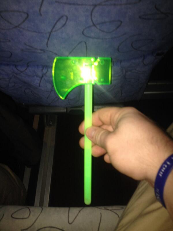 Honored to be #singeroftheday and have the most awesome glow in the dark axe ever! #2014SingersTour http://t.co/T92OTNja21
