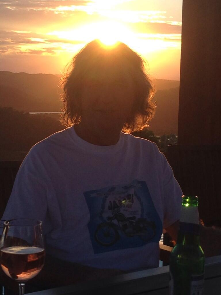 Last night, the sun stoved @MrJamesMay 's head in http://t.co/bVGfMQ68bn