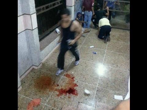 via @Fratizia: via @kuperlkuper: #9M A esta hora 5:40am. Maracaibo - Palaima. Esto ocurre, heridos. URGENTE http://t.co/YyzFxO6dxb   @Madep