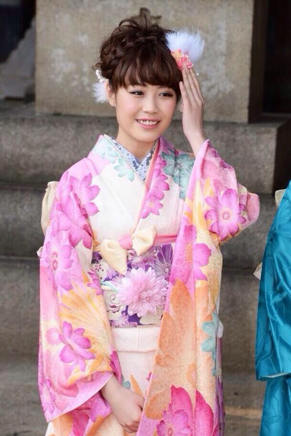 【E,girls】鷲尾伶菜(わしおれいな)がすごくかわいい!【画像集】