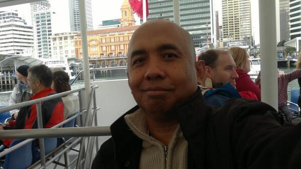 Homenaje, Quien era el Piloto de la Aerolinea Malasya ? http://t.co/Ey3pigklYm http://t.co/pm6nyWp2lY