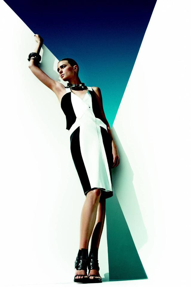 Leave your LBD at home and make an impact in these 10 high-contrast dresses: http://t.co/Tw4qvfQpK9 http://t.co/MkDgQt27qq